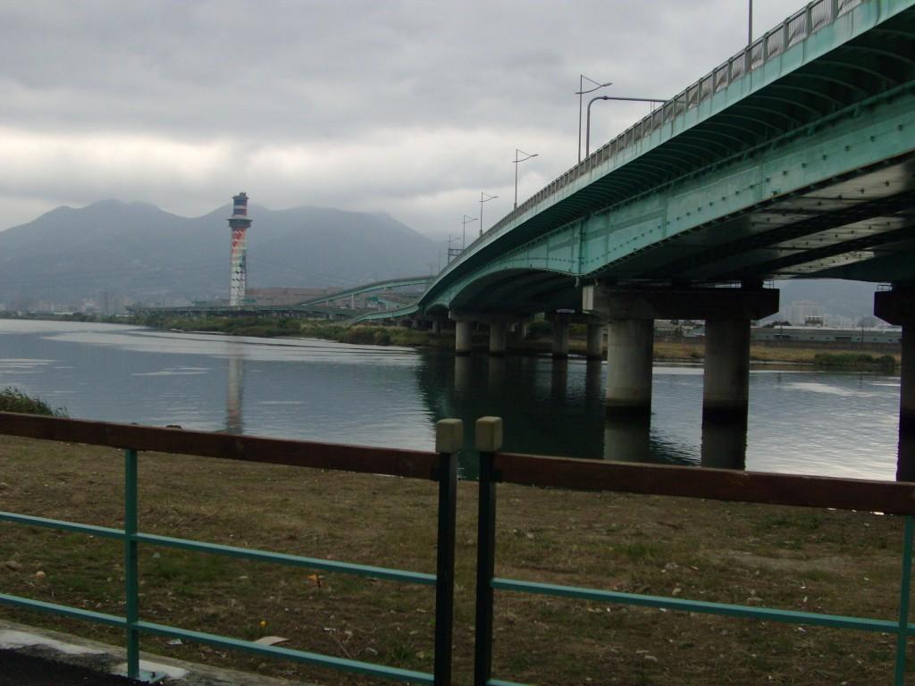 Walking Greg's Bike Back Home – Helpless Female Lost in Taipei