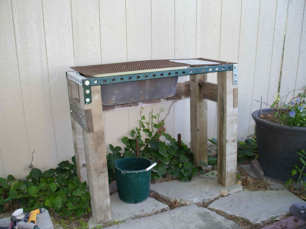Ye Olde Sink in the Garden