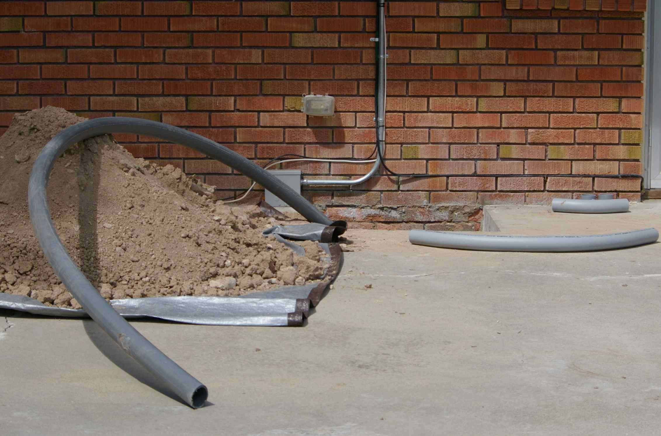Swimming Pool Electrical Service : Putting in a swimming pool for triathlon training