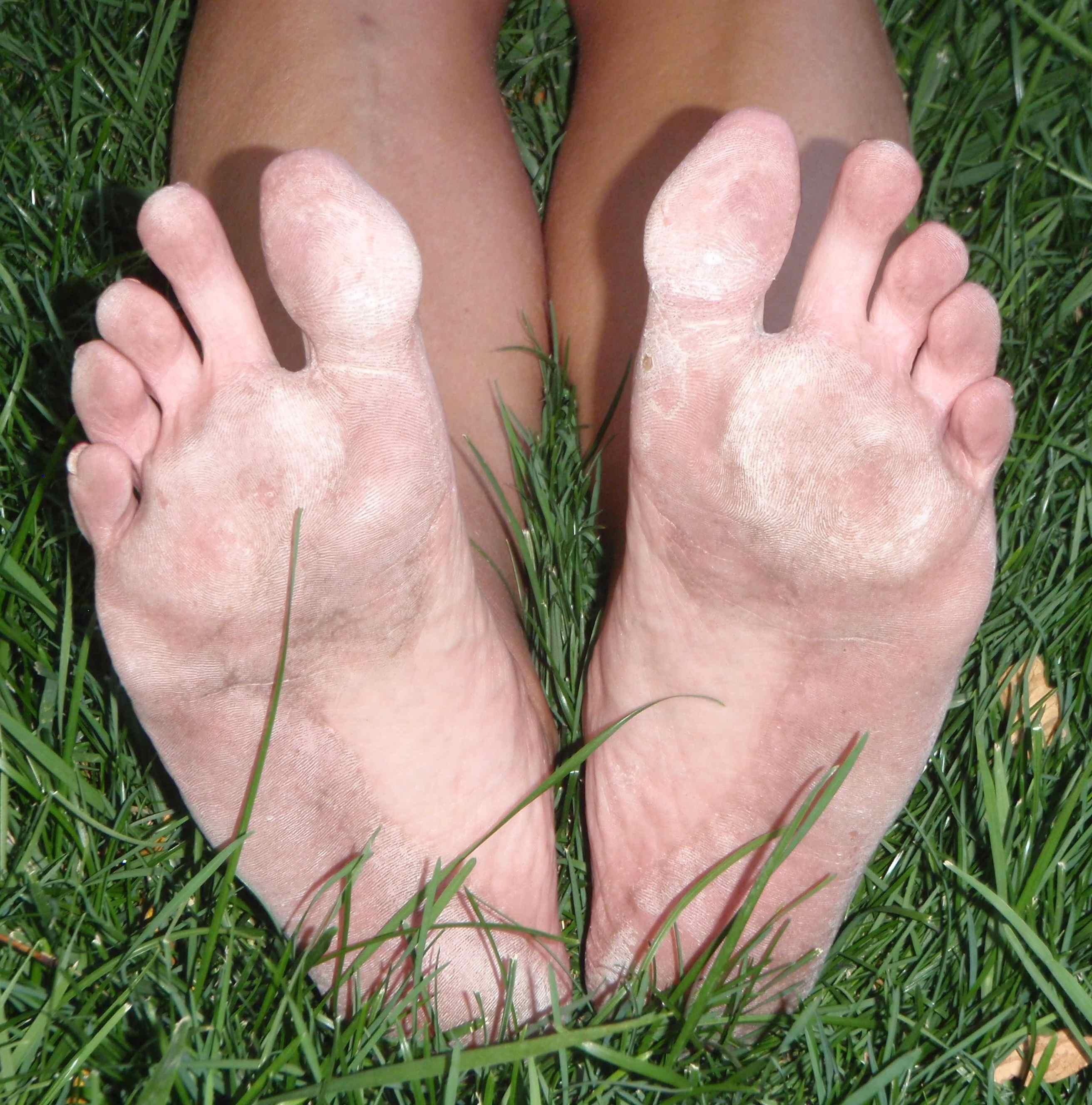 dirty feet immediately after my 4 mile barefoot run on asphalt