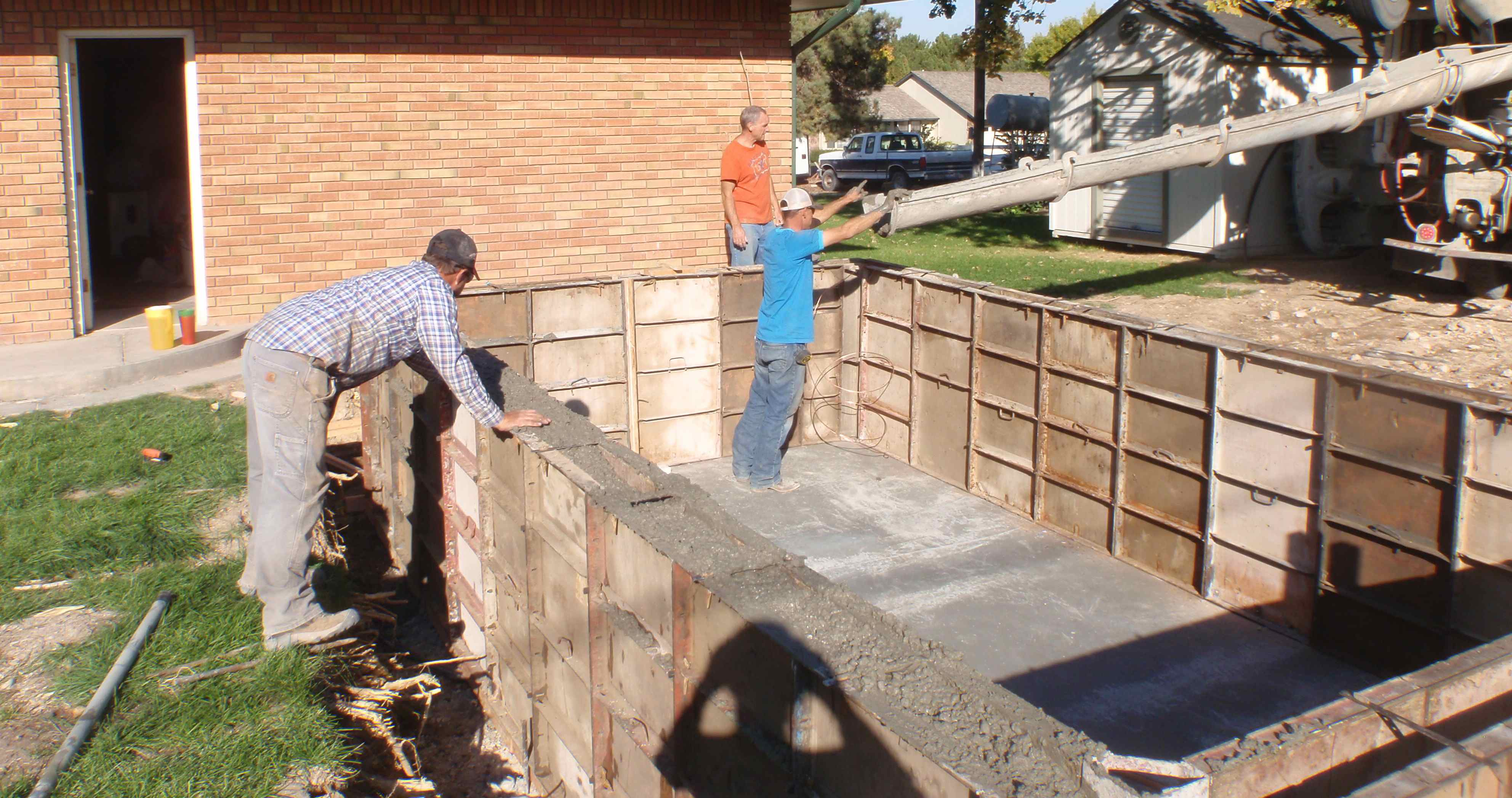 Putting in a Swimming Pool for Triathlon Training - The Cement Box ...