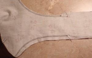 narrow zig zag reinforces curve on handles