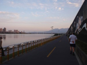 Wild Greg running north along the Danshui River in Taipei