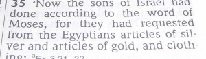 Egyptians give Hebrews valuables