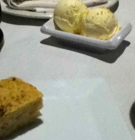 5 Palms Restaurant in Maui serves melt in your mouth magical bread and butter