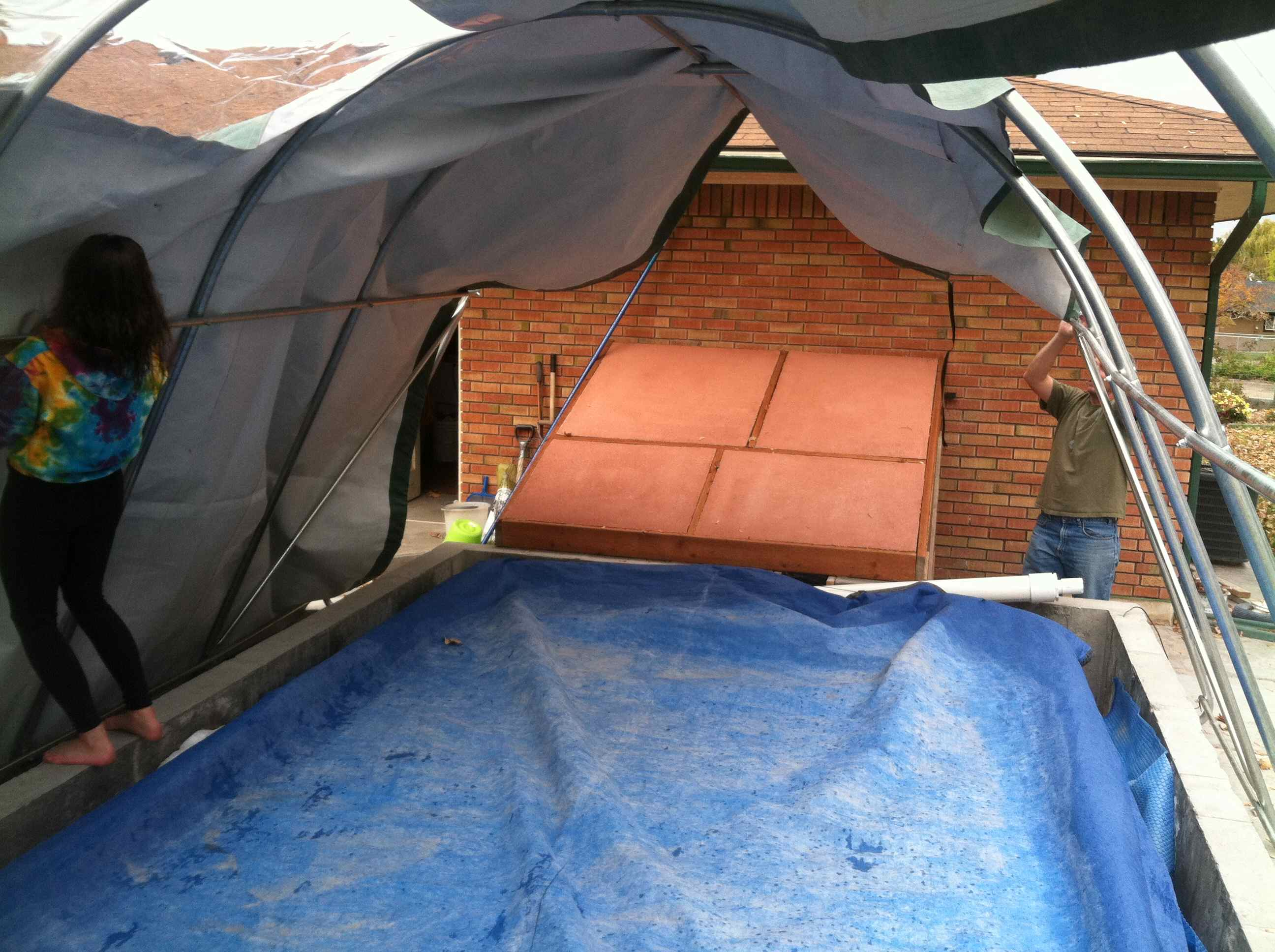 How To Turn An Outdoor Swimming Pool Into An Indoor Swimming Pool For The Winter Part 1
